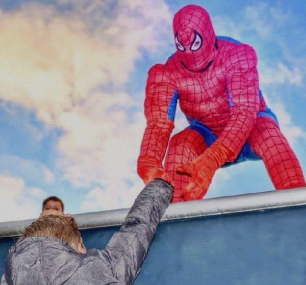 Clown Marco als Spiderman