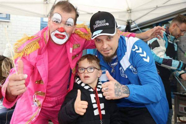 Clown Marco met fans